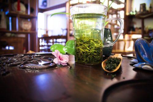 Pahar cu ceai verde